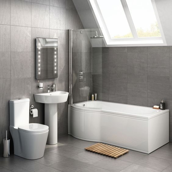Choosing the right bath type for your bathroom suite