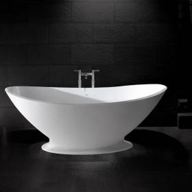 BC Designs Kurv Freestanding Bath With Plinth